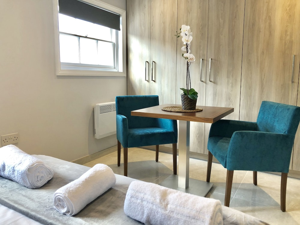 Chic Apt in the heart of Camden by City Stay London