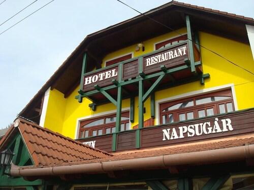 . Hotel Napsugár és Gulyás Kunyhó Étterem