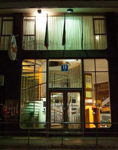 . Hotel La Ronda