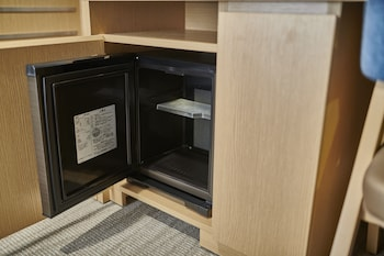 THE ROYAL PARK HOTEL HIROSHIMA RIVERSIDE Mini-Refrigerator