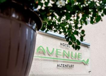 . AVENUE ALTENFURT