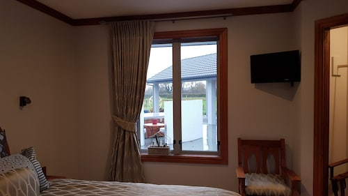 BRUNTWOODLODGE - Adults Only, Waikato