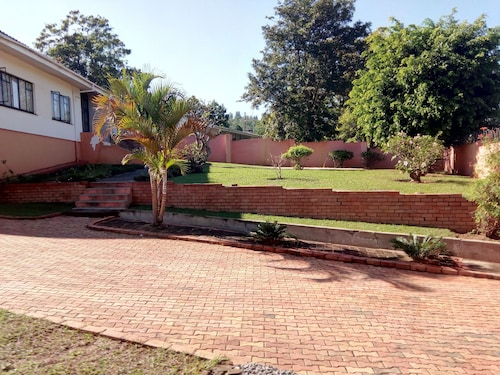 Coats Valley House, Manzini North