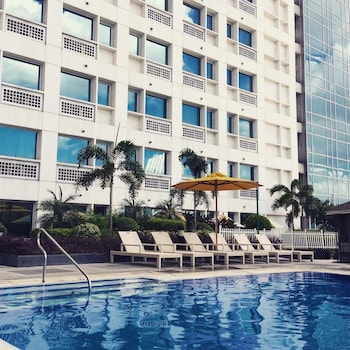 QUEST SERVICED RESIDENCES Cebu City Cebu