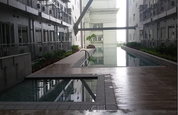GREEN RESIDENCES CONDOTEL Outdoor Pool