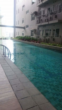 GREEN RESIDENCES Outdoor Pool