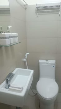 GREEN RESIDENCES Bathroom