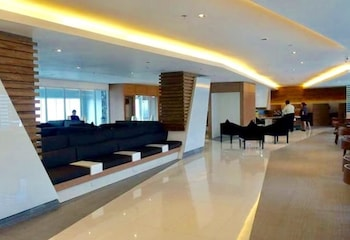 GREEN RESIDENCES Executive Lounge