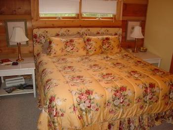 Fox Den Cabin 3 Bedrooms 3 Bathrooms Cabin