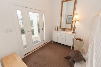 705 Vanderbilt Avenue 5 Bedrooms 3.5 Bathrooms Home