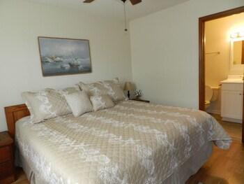 Sandy Shores II 111 2 Bedrooms 2 Bathrooms Condo