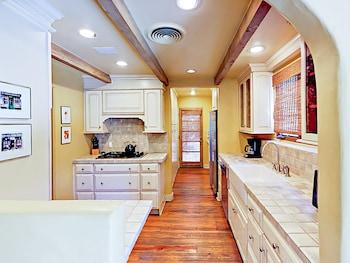 1146 E El Alameda Home 3 Bedrooms 3 Bathrooms Home
