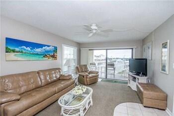 #304 Beach Place Condos 2 Bedrooms 2 Bathrooms Home