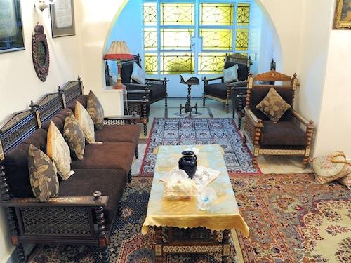 Meritamen guest house, Unorganized in Al Jizah