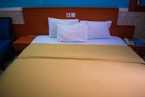 1st Delightsome House and Suites, Ikorodu