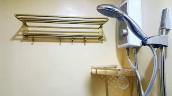 WIL'S CONDOTEL Bathroom