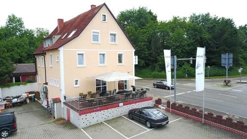 . Hotel Garni zur Eisenbahn