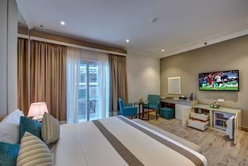 Deluxe Suite, Balcony