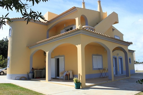 House With 3 Bedrooms in Moncarapacho, With Wonderful sea View, Enclos, Olhão