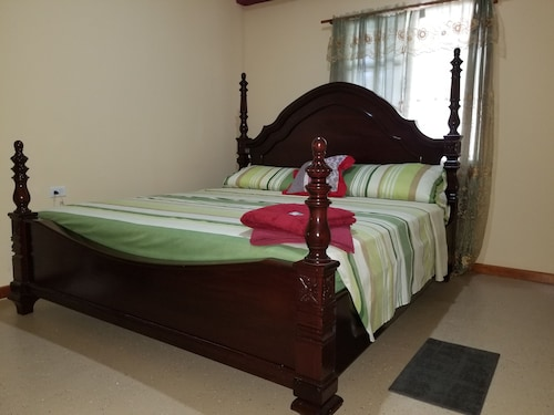 Riverview Guesthouse Belize,