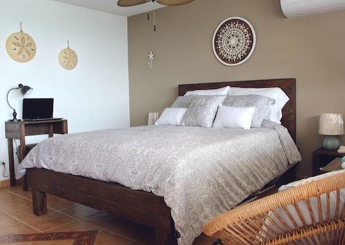 Condominium Playa Azul 1,