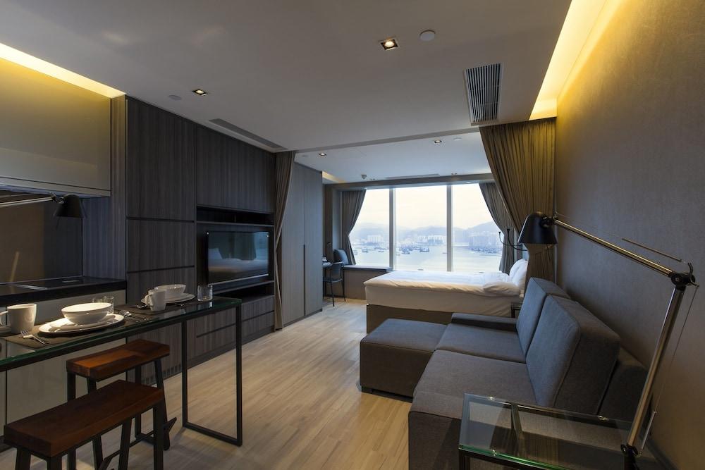 https://i.travelapi.com/hotels/28000000/27590000/27580800/27580728/6987a231_z.jpg