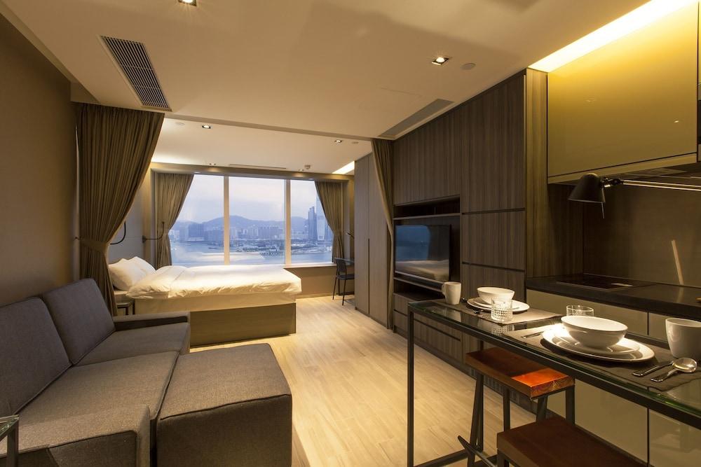 https://i.travelapi.com/hotels/28000000/27590000/27580800/27580728/f013e7d9_z.jpg