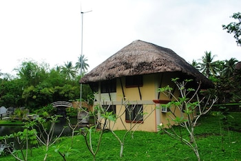 CASA BASILISA BOUTIQUE ECO-RESORT Property Grounds