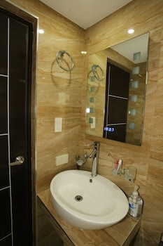 INDIGO ORTIGAS @ ADB AVENUE TOWER Bathroom
