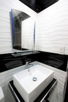 INDIGO ORTIGAS @ ADB AVENUE TOWER Bathroom Sink