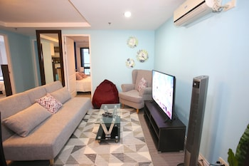 INDIGO ORTIGAS @ ADB AVENUE TOWER Living Area