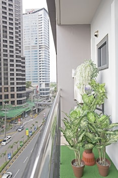 INDIGO ORTIGAS @ ADB AVENUE TOWER Balcony