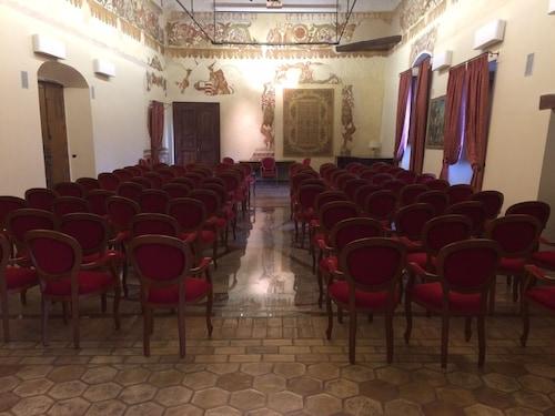 . Castello di Altomonte