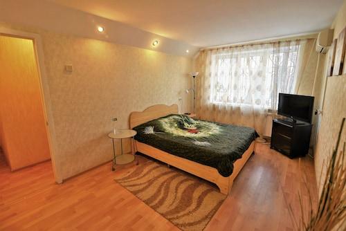 Megapolis Apartments on Fridrikha Engelsa street 65 – apt 3, Novousmanskiy rayon