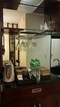 RELAXING WIND In-Room Kitchen