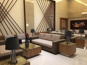 RELAXING WIND Lobby Sitting Area