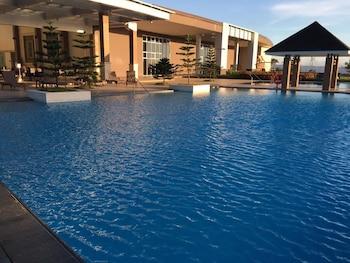 RELAXING WIND Outdoor Pool