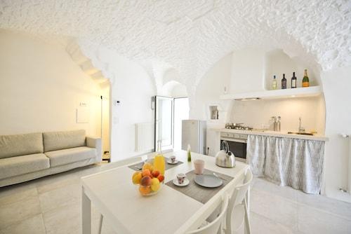 . Casetta Arco con balcone