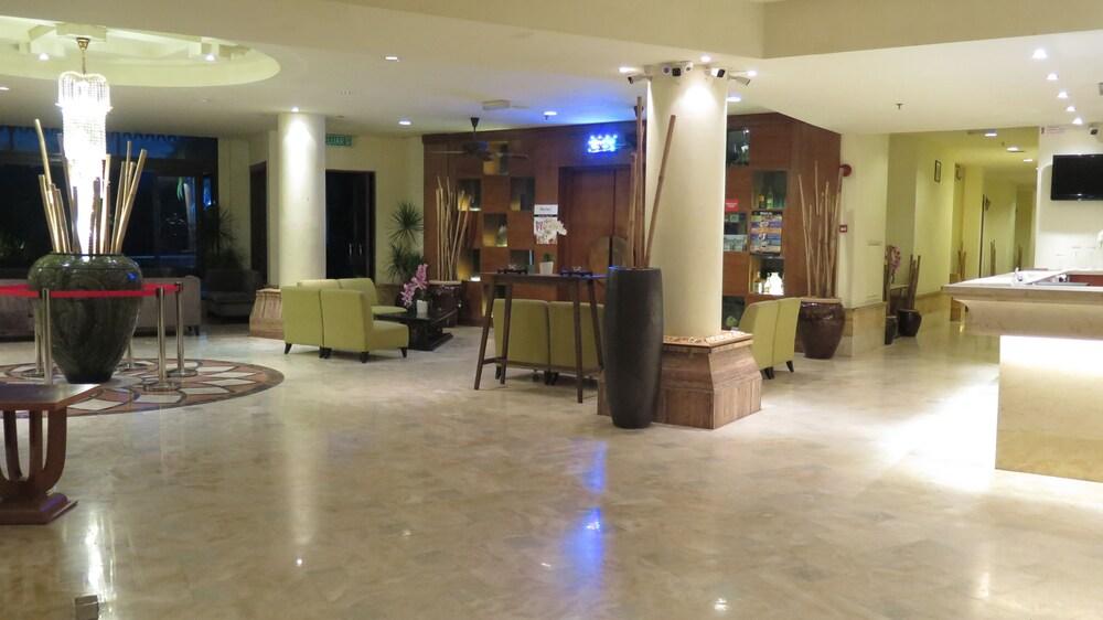 ランカウイ ラグーン リゾート ウォーター シャレー