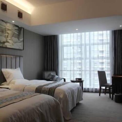 Qiao Xiangxi Hotel, Xiangxi Tujia and Miao