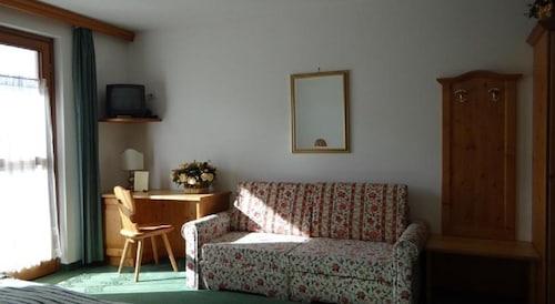 Hotel Mondeval, Belluno
