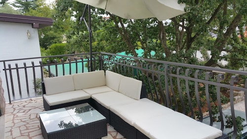 Villa With 4 Bedrooms in Vantacici, With Wonderful sea View, Private P, Malinska-Dubašnica