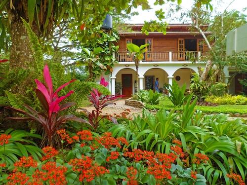 Sweet Songs Jungle Lodge, a Muy'Ono Resort