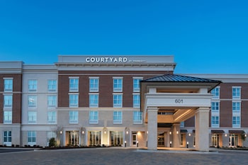 Courtyard by Marriott Jackson Madison