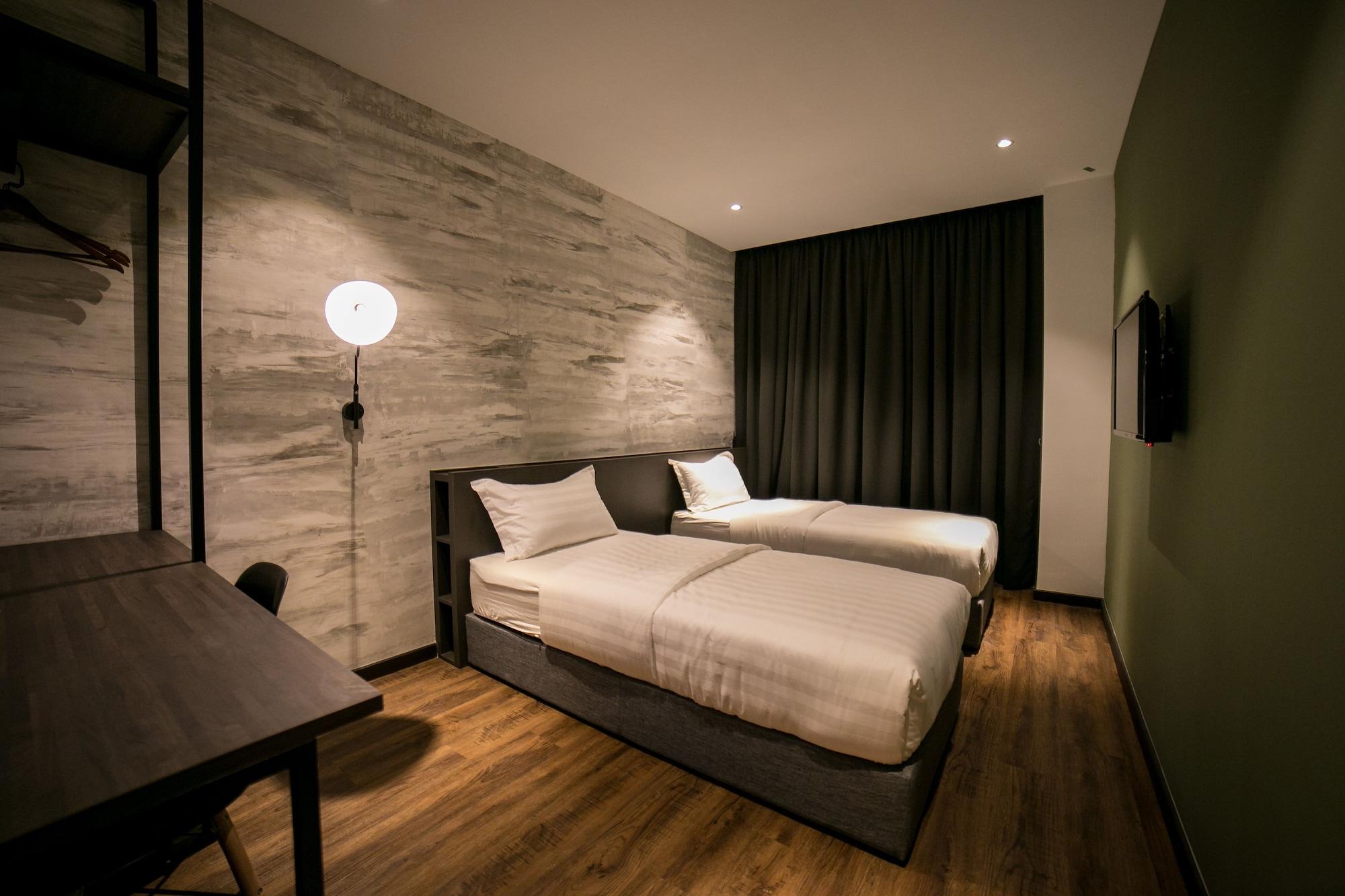 Eureka Hotel, Barat Daya