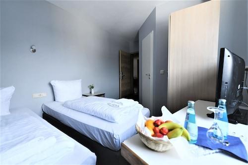 __{offers.Best_flights}__ Best One Hotel