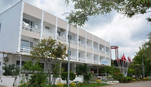 . Eker Bermuda Hotel