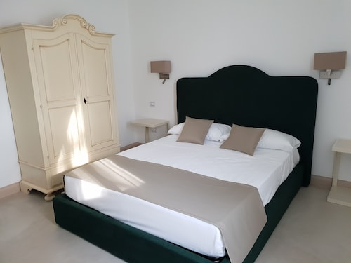 . Villa Natia