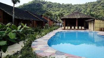 CALAYO BEACH RESORT Outdoor Pool