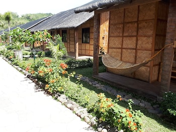 CALAYO BEACH RESORT Exterior